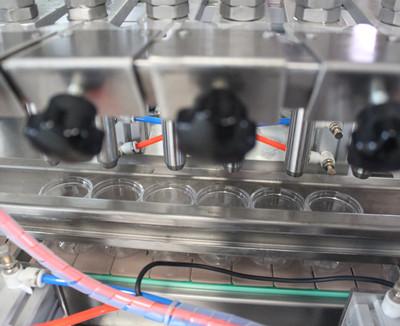 透明易拉罐火锅油碟灌装机